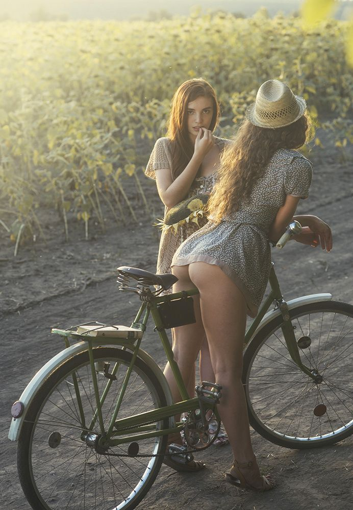 European bicycle babe with sweet ass